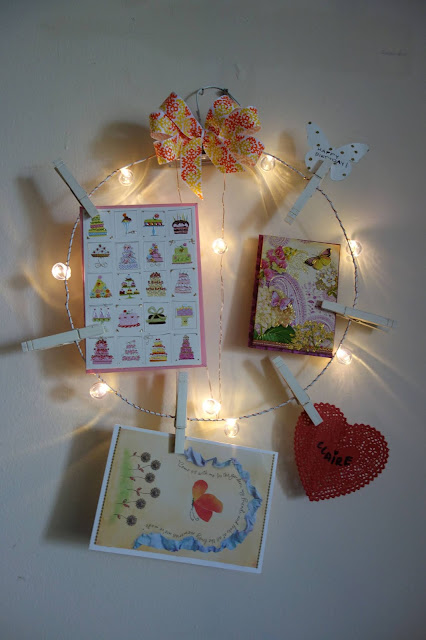 birthday card display, greeting card wreath