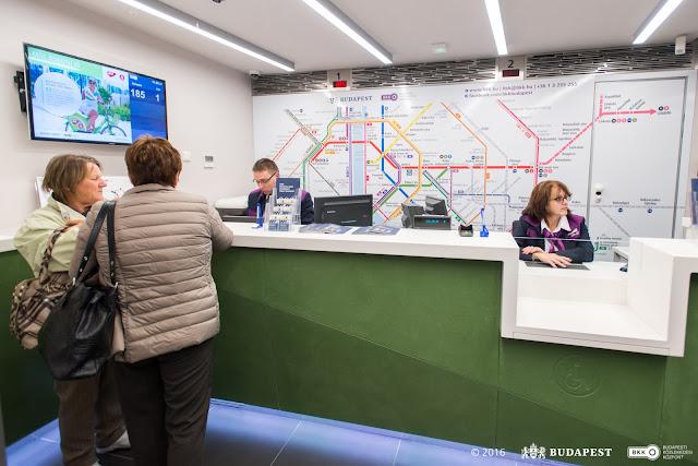 Újabb BKK ügyfélközpont nyílt a Népliget metróállomáson. Az új, európai színvonalú, integrált szolgáltatásokat nyújtó ügyfélközpontban minden olyan ügy elintézhető, ami a fővárosi közlekedéssel kapcsolatos: jegy- és bérletvásárlás, közlekedési információk, taxipanaszok kezelése, MOL Bubival kapcsolatos ügyintézés és általános utastájékoztatás.