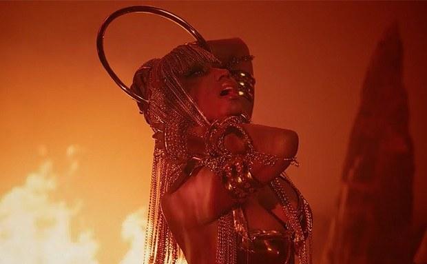 Nicki Minaj premieres music video for 'Ganja Burn'