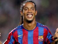 Sering Tegang Melihat PSG Bermain, Ronaldinho Tak Mau Jadi Pelatih