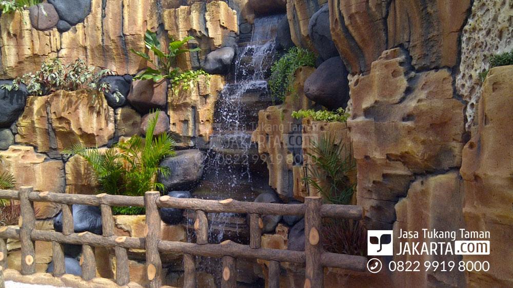 Jasa taman Dekorasi Air Terjun di bekasi