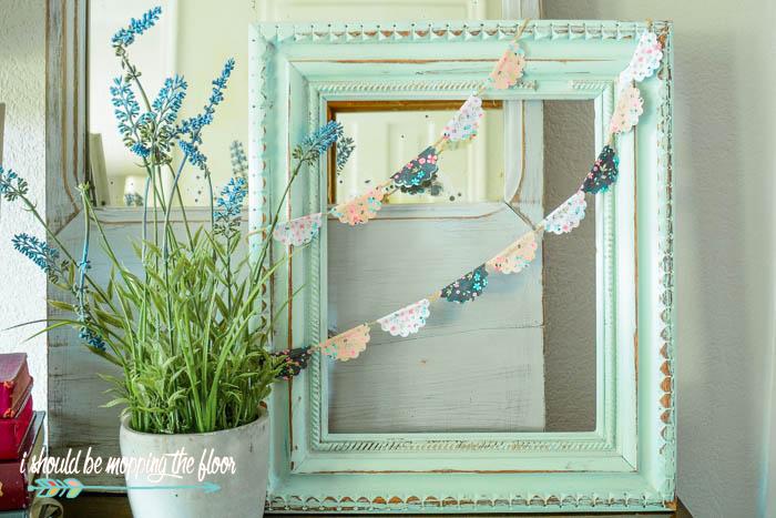 Free Shabby Chic Printable Banner | This sweet little banner is easy to put together...make it as long as you like! Perfect for wreaths, cake toppers, and anything you can imagine!