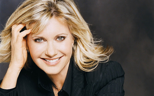 Un Clásico: Olivia Newton John - Hopelessly Devoted to You