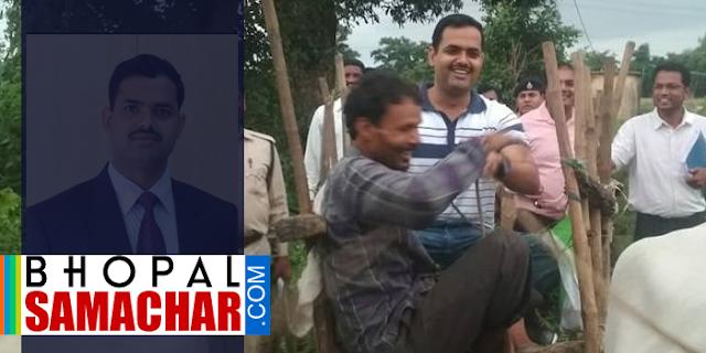 छिंदवाड़ा मॉडल: कीचड़ से लबालब थी सड़क, CEO को बैलगाड़ी से जाना पड़ा | MP NEWS