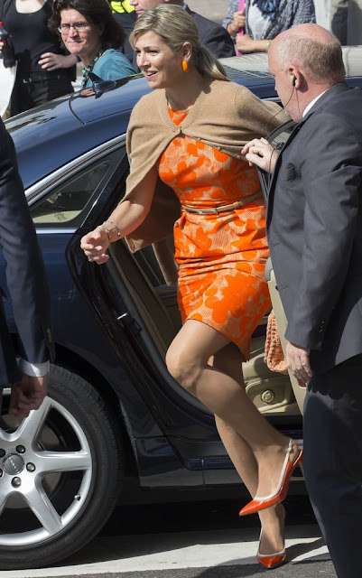 Queen Maxima attended the international climate conference (Adaptions Futures 2016). Queen Maxima wore Natan Dress and, Missoni Rafia Bag