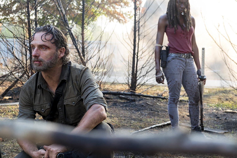 Rick y Michonne, en el episodio 8x11 The Lost and the Plunderers de The Walking Dead