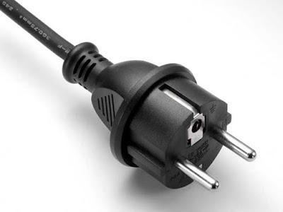 Instalaciones eléctricas residenciales - Clavija híbrida europea CEE 7/7 para enchufe tipo F