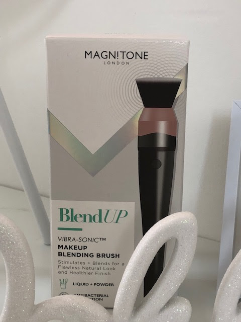 Magnitone Blend Up Vibra-Sonic™  Makeup Blending Brush