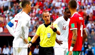 """بسبب أخطاء الحكم الأمريكي.. عريضة دولية تطالب """"الفيفا"""" بإعادة مباراة المغرب والبرتغال"""
