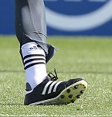premium selection ea493 e78bd Manuel Neuer Trains in Modified Adidas Copa Mundial Boots