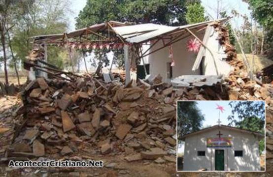 Iglesia destruida por hindúes extremistas