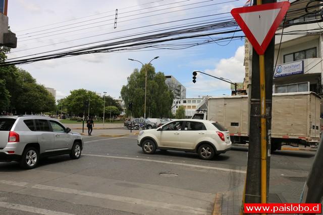 Osorno: Piden reponer semáforos destruidos en sector céntrico