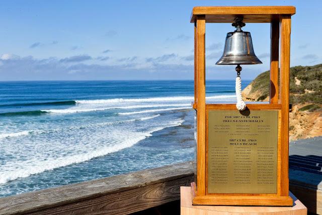 38 Rip Curl Pro Bells Beach 2015 RipCurl Pro Bells Beach Trophy WSL Kelly Cestari