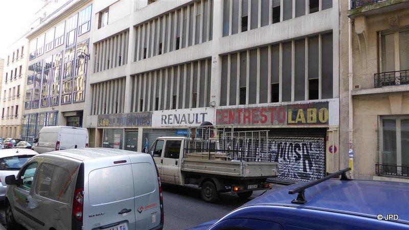 Les murs peints s 39 affichent for Garage paris 18e