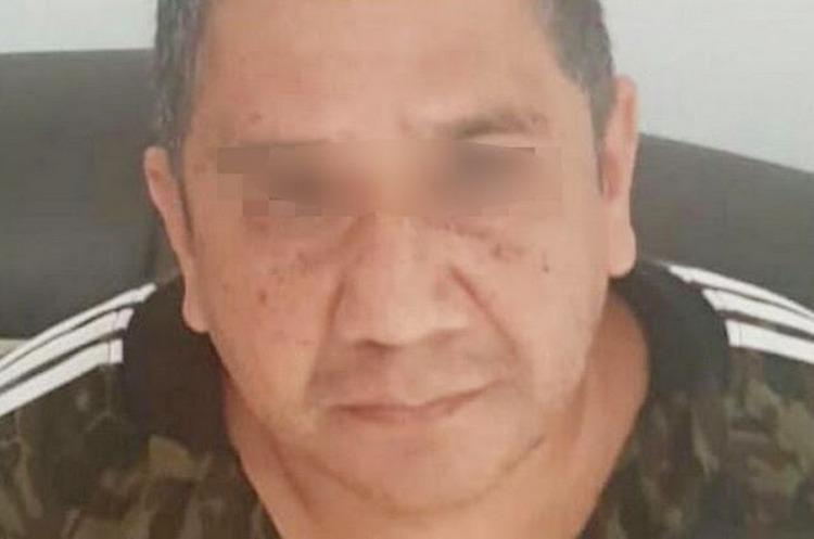 """Elementos de la Policía Michoacán detienen a """"El Metro"""" lugarteniente de """"La Familia Michoacana""""."""