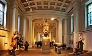 مقارنة بين المتحف المصرى والمتحف البريطانى فى فن التعامل مع السائح