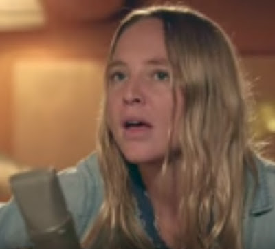 "LISSIE ""Stay"" (Acoustic)"