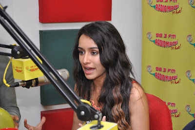 Shraddha Kapoor hot legs + other HQ Unwatermarked pics