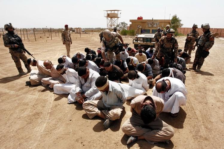 Ratusan Militan ISIS Menyerah di Suriah