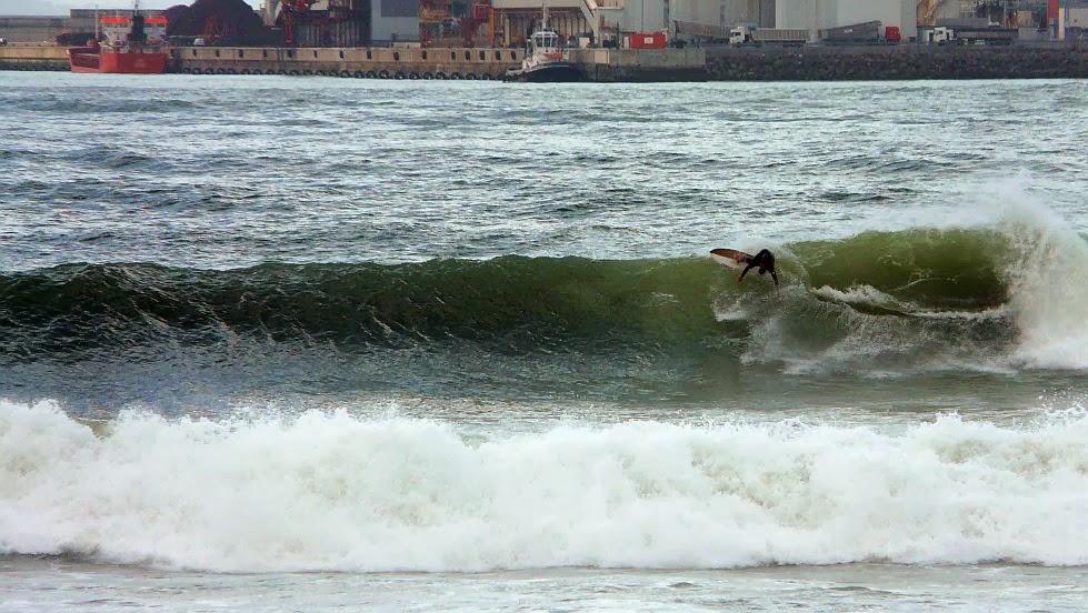 surf en el puerto viejo algorta jefris 15