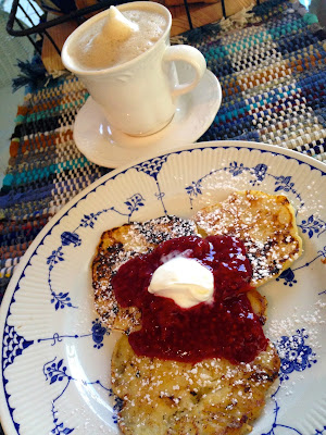 Cottage Cheese Pancakes With Raspberry Sauce