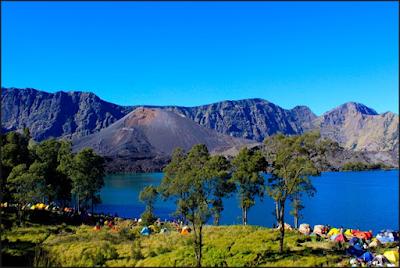 http://www.blogeimie.com/2016/09/menikmati-keindahan-gunung-rinjani-gunung-terindah-di-indonesia.html