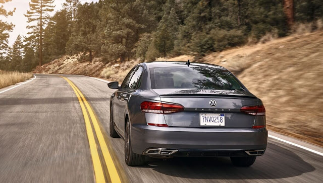 vw-passat-2020-exhaust-taillights-back-spoiler