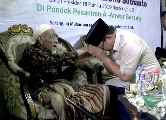 Ingin Mengulang Sukses, Prabowo Sungkem ke KH Maimun Zubair