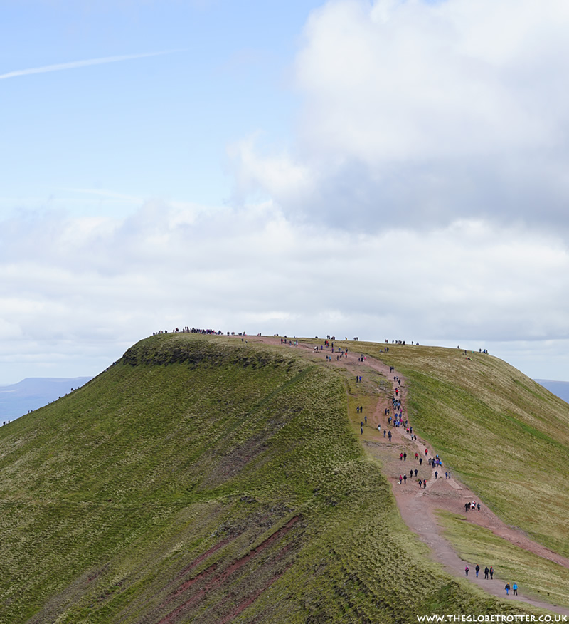 Brecon Beacons | Pen y Fan and Corn Du Walking Trail