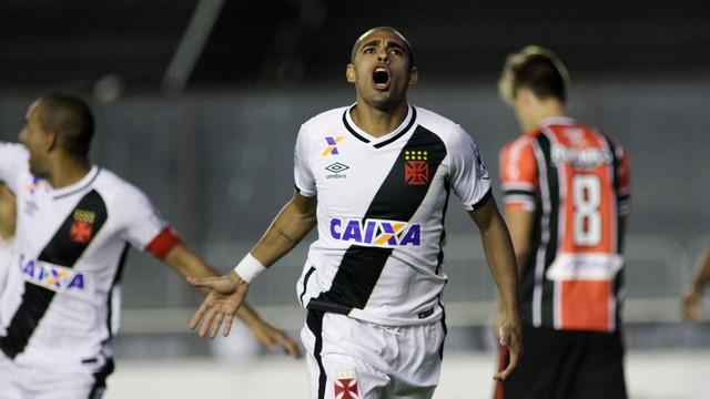 Com golaço de Pikachu, Vasco permanece na liderança por mais uma rodada