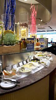 reichhaltiges Frühstücksbüffet im Sheraton Frankfurt Airport