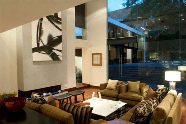 Hogares frescos la transparencia y la extravagancia for Casa lomas muebles