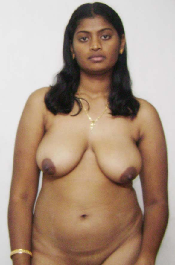 South Indian Tamil housewife bhabhi nude tits