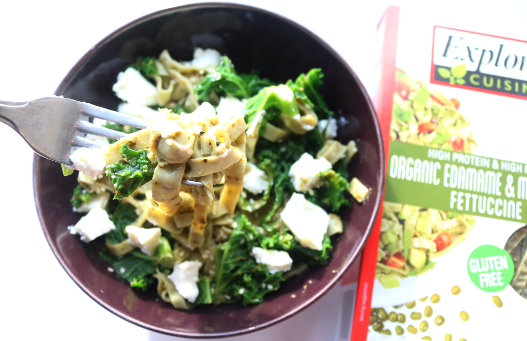 Organic Edamame & Mung Bean Fettuccine with Curly Kale & Goat's Cheese (Easy 10 Minute Meal)