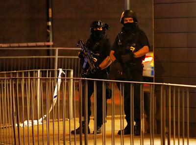 Ariana Grande, Manchester, manchesteri robbantás, Scotland Yard
