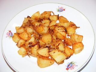 Cartofi prajiti cu ceapa caramelizata retete culinare,