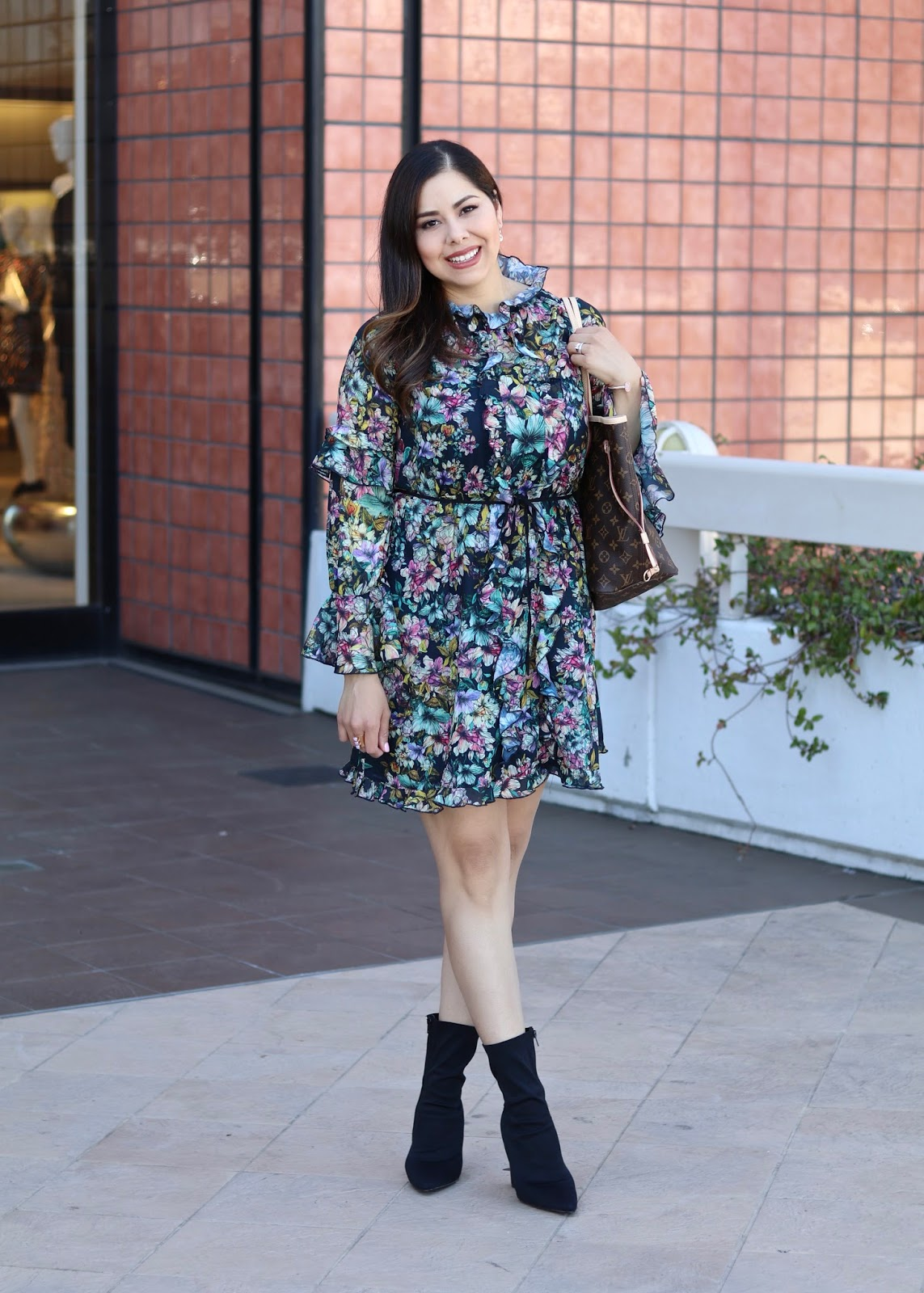 H&M ruffled dress, affordable fashion blogger, how to wear pointed heels