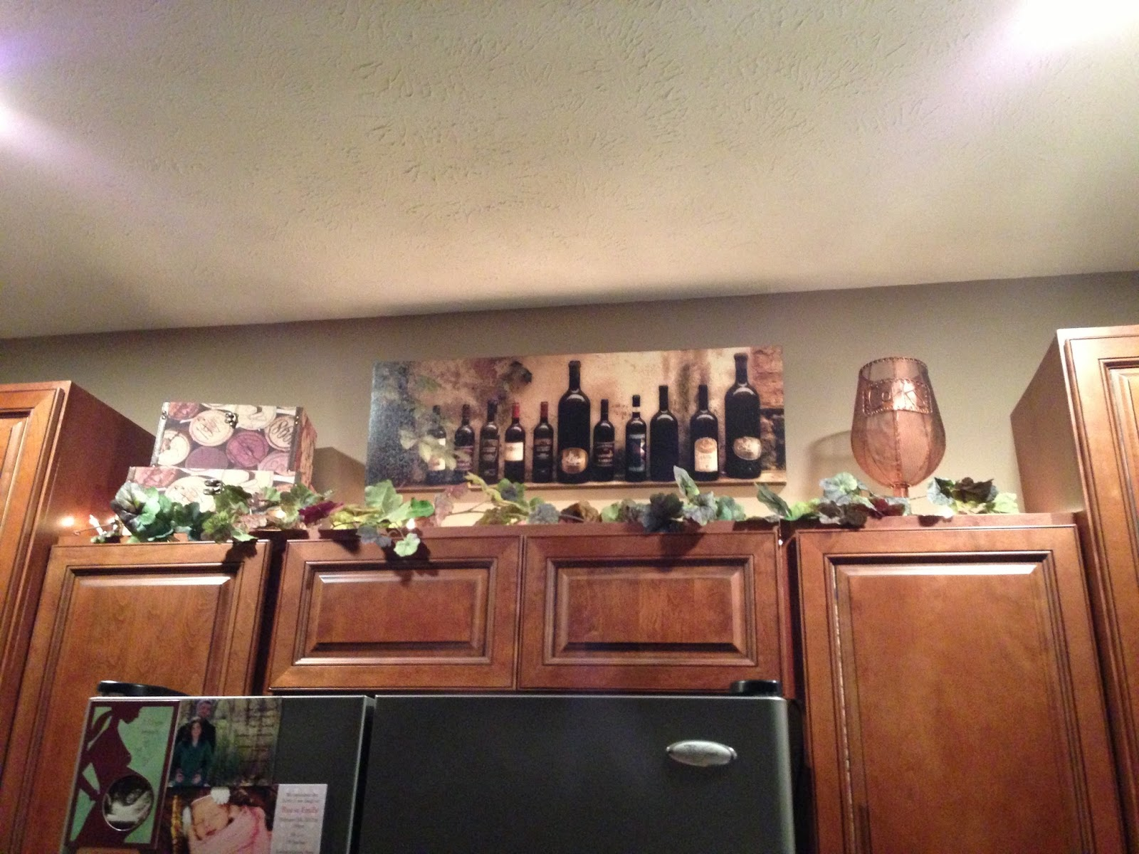 wine decorations for kitchen