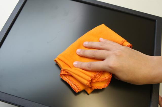 Limpando tele LCD