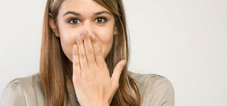 Τι είναι ο λόξυγγας (λόξιγκας): Από τι προκαλείται και πώς μπορεί να τον σταματήσετε;