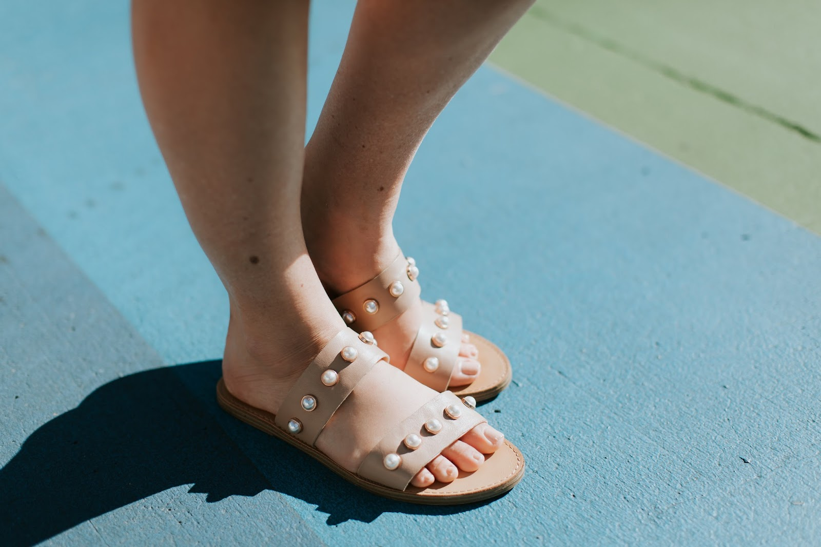 Favorite Summer Sandals - Splurge vs. Save by fashion blogger Walking in Memphis in High Heels