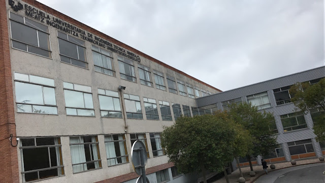 edificio de la antigua escuela universitaria de Minas