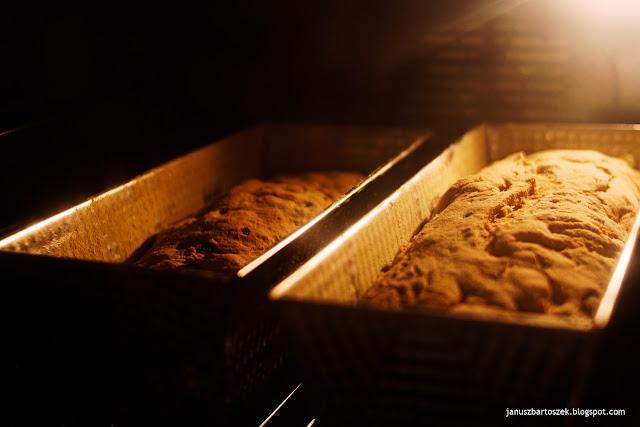 jak długo piec chleb cebulowy