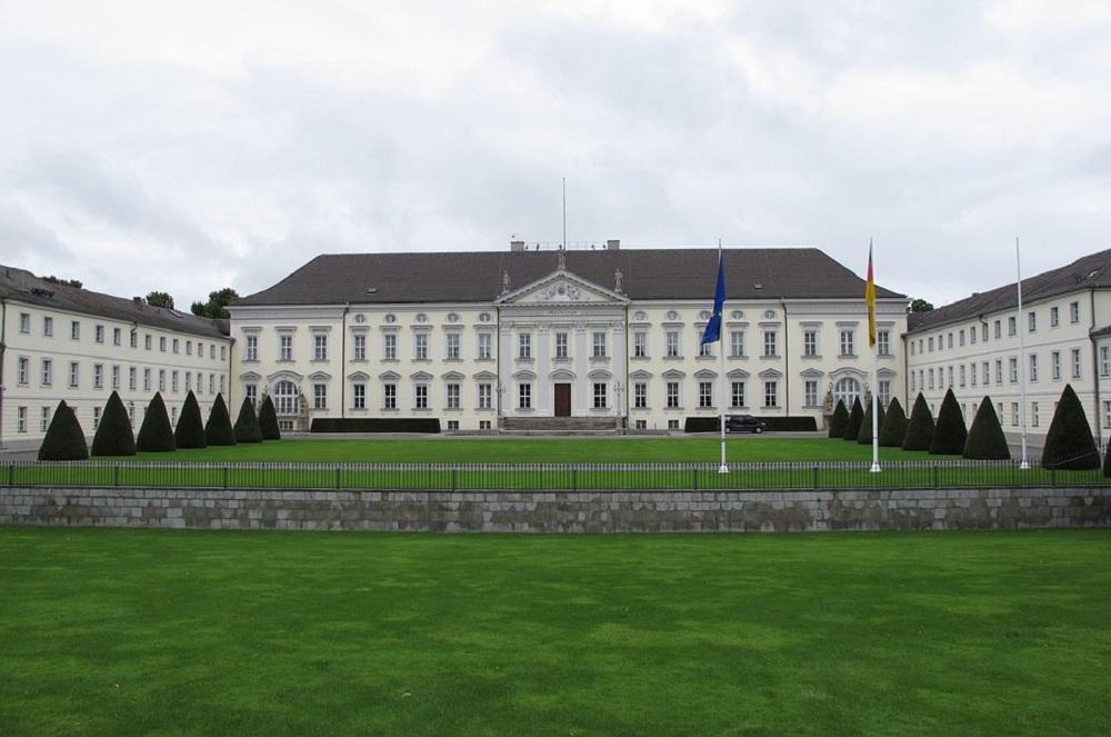 [Obrazek: castle-bellevue-196450_960_720.jpg]