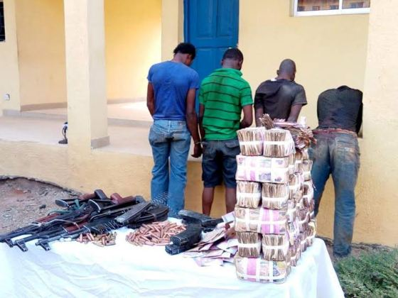 Photos: Update on Osun bank robbery: 5 armed robbers killed, four arrested, N7m cash recovered