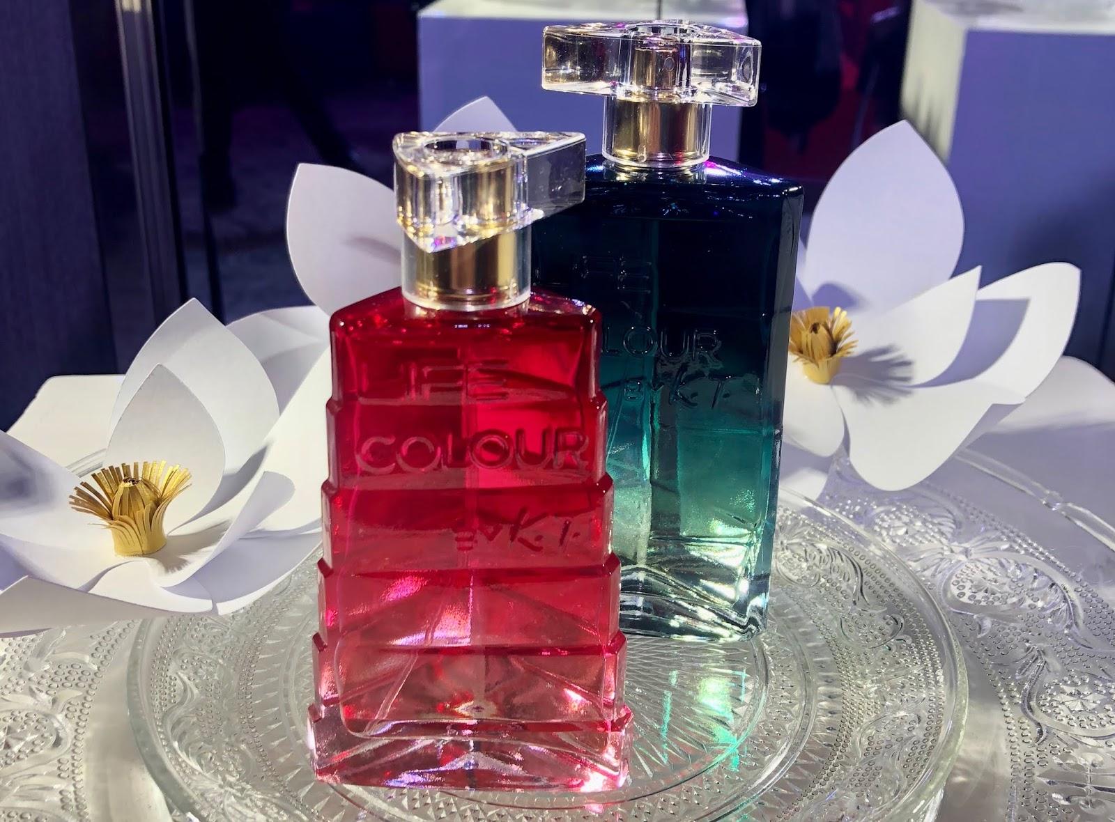 69926faf Mi elegido fue un vestido verde que lo combiné con aros azules y labios  rosas. Con respecto Avon Life Colour, fue creada por Kenzo Takada junto a dos  de los ...