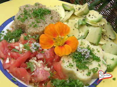 Quinoa con aguacate y tomate