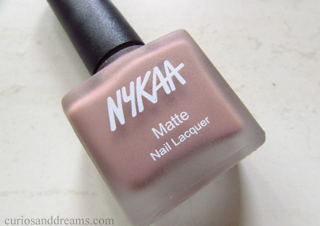 Nykaa Nude Matte Nail Enamel review, Nykaa Nude Matte Nail Enamel Nutcracker Dreams review