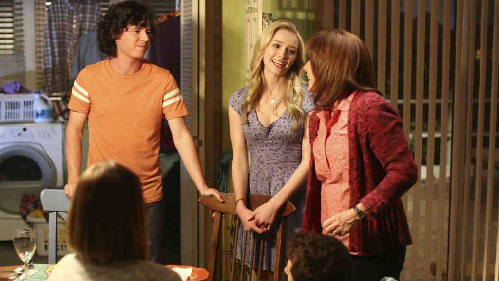 Charlie McDermott, Greer Grammer y Patricia Heaton en 'The Middle'