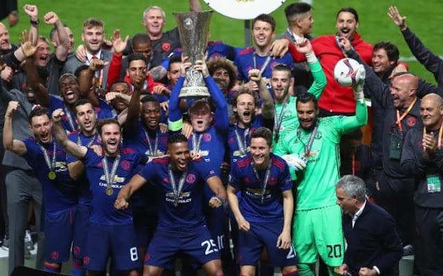 Αγιαξ - Μάντσεστερ Γιουνάιτεντ 0-2. Κατέκτησαν το  Europa League οι Άγγλοι και εξασφάλισαν μια θέση στους ομίλους του Champions League. (ΒΙΝΤΕΟ)